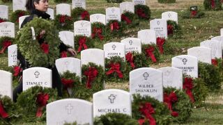 St. Pete cemetery in need of wreaths to honor fallen veterans