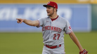 Reds sweep first ever 7-inning double header