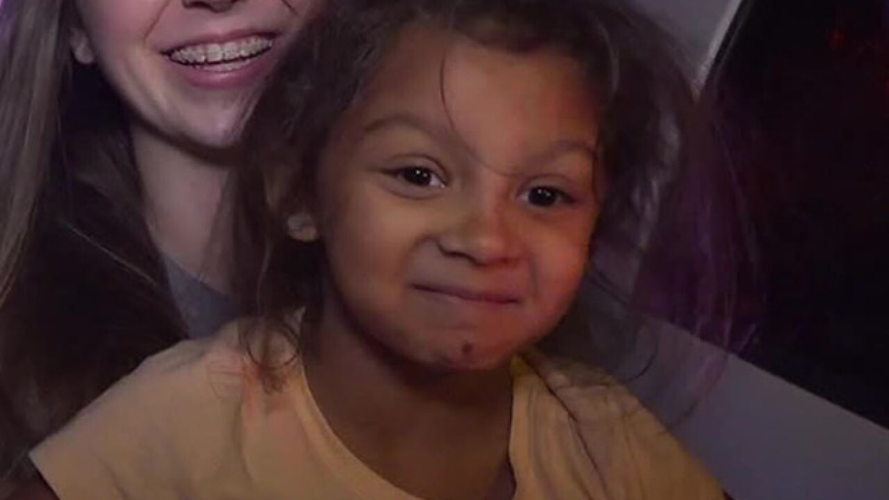 Girl helps family escape from Santee fire