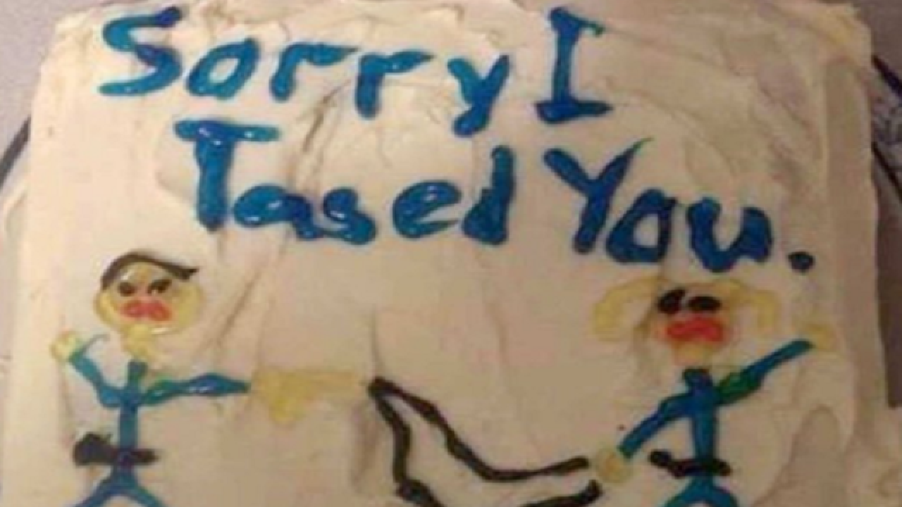'Sorry I Tased You' cake photo is a hoax, story is real