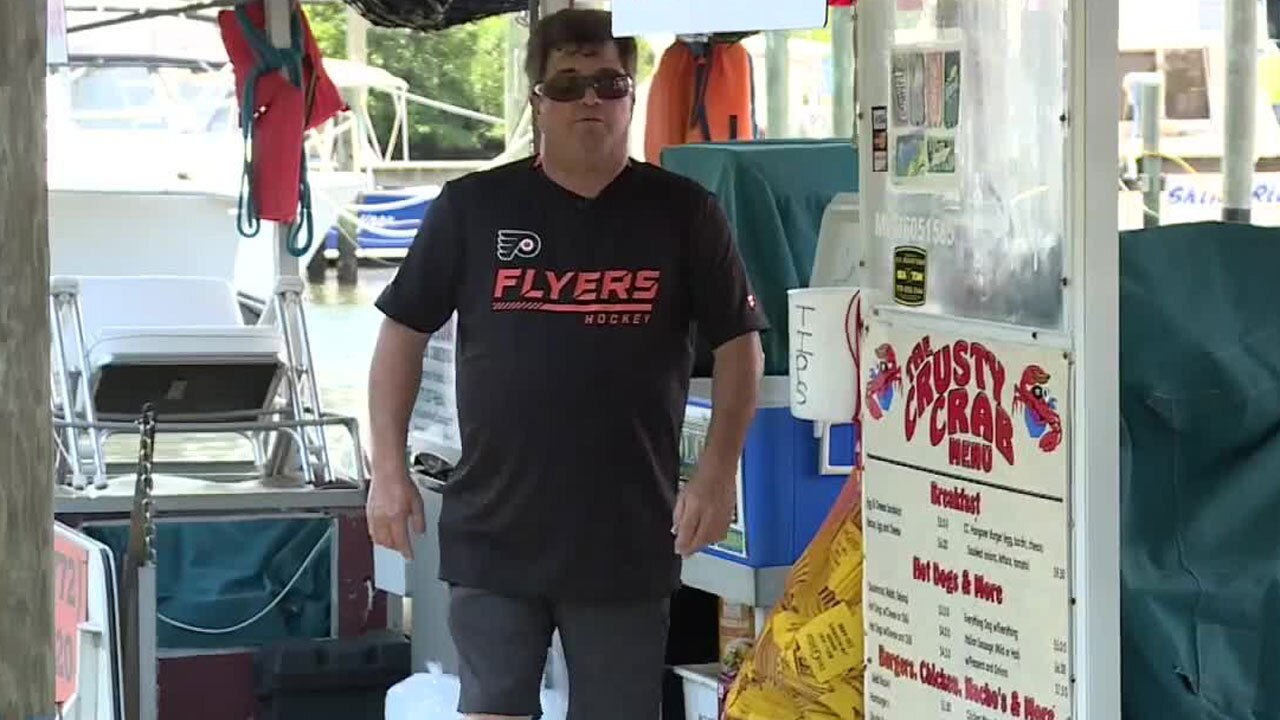Paul Gallo, Crusty Crab owner