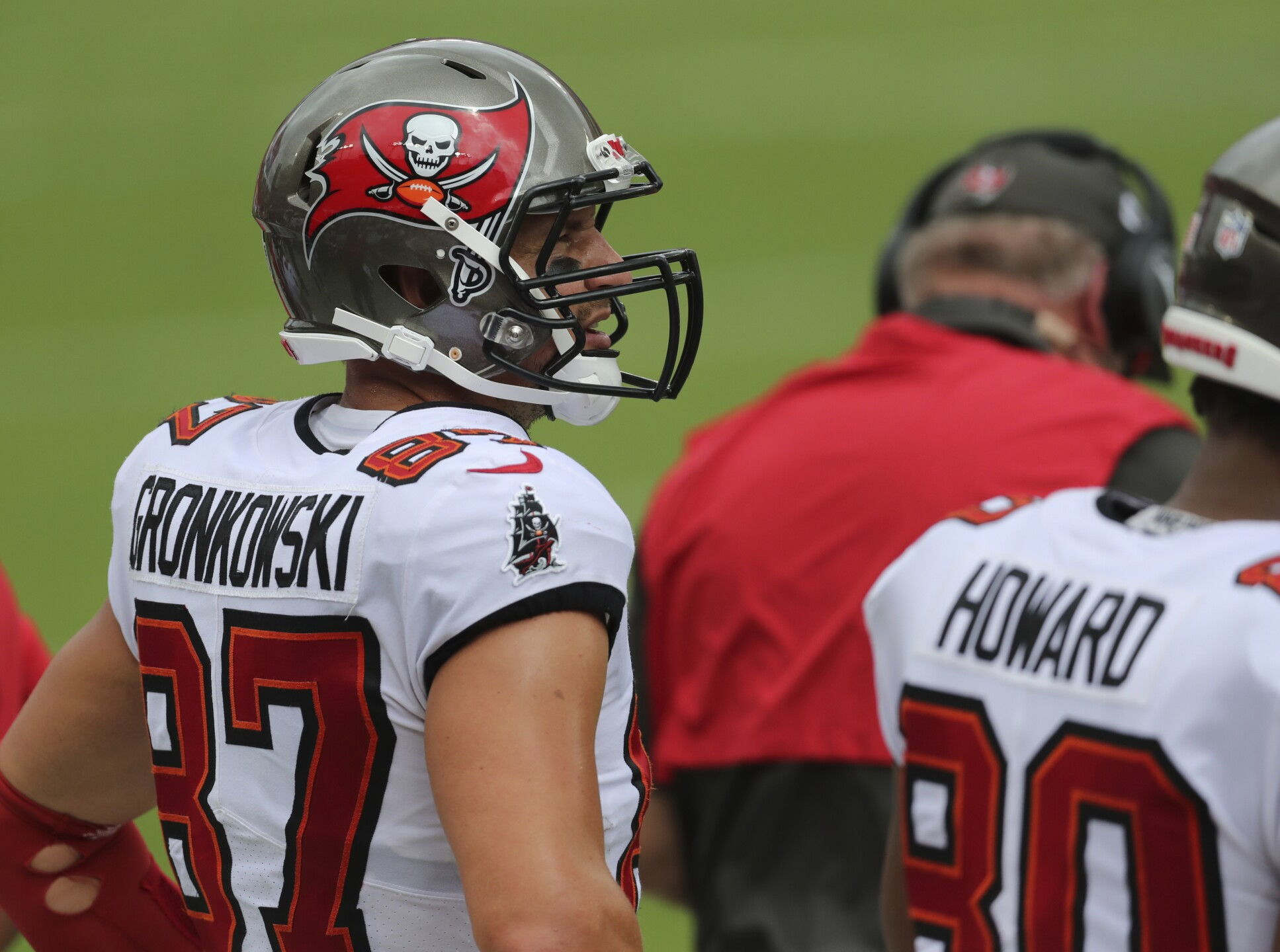 ap-images-buccaneers-panthers-game-sept-20-2020-6