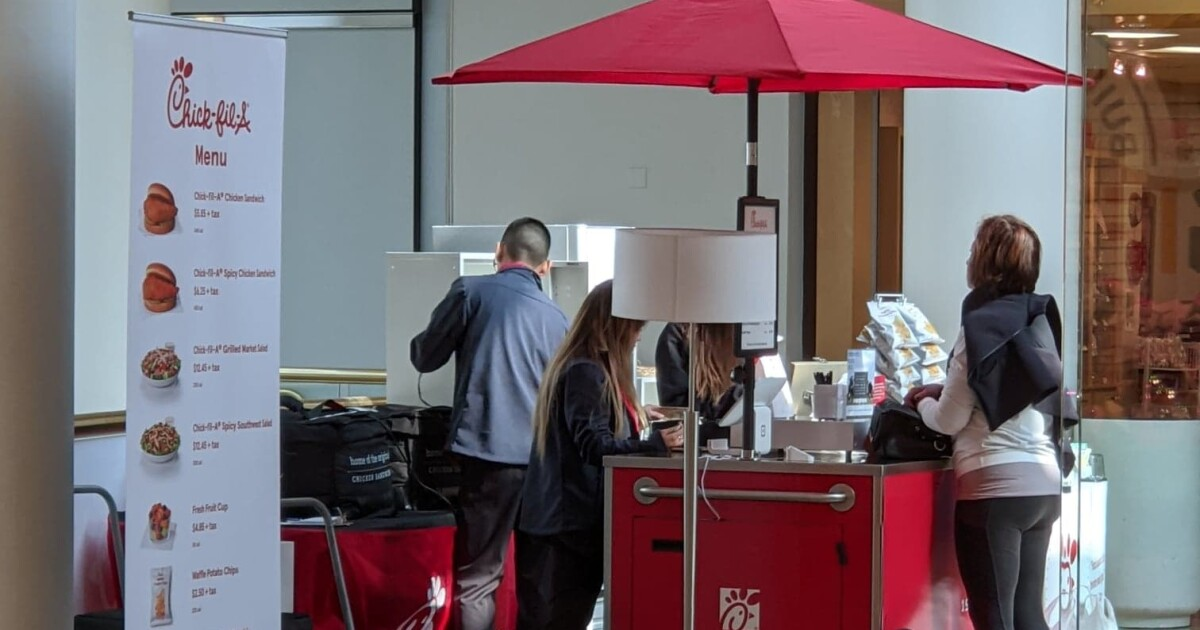 Chick-fil-A sets up temporary kiosk at Scottsdale mall