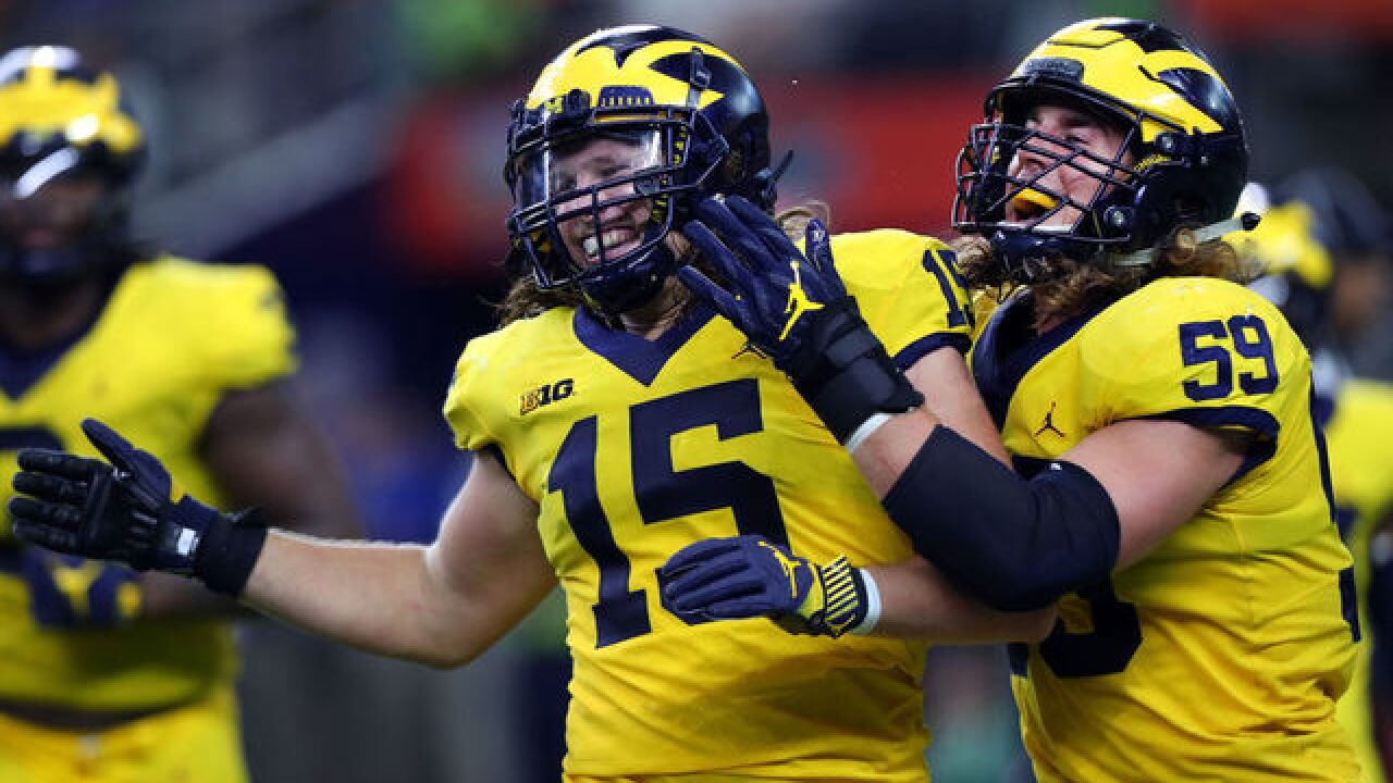 pretty nice ea498 7e4ac Michigan DE Chase Winovich returning for fifth season at UM