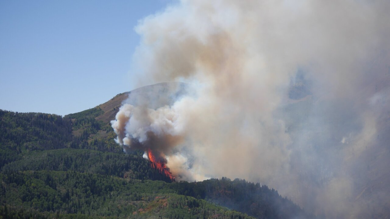 Pole Creek Fire burns 84,444 acres; 25 percent contained