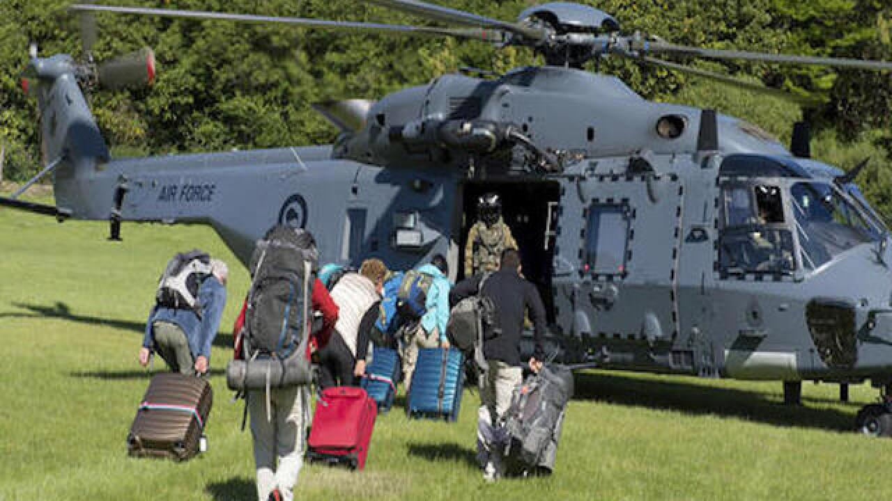 NZ begins rescue of tourists stranded by quake