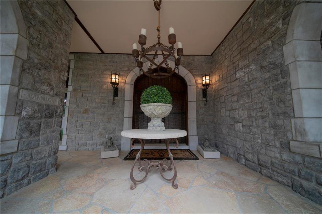 weatherby lake mansion 25