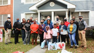 VPD Partners with Local Organizations to Surprise Local Family with Christmas Donations
