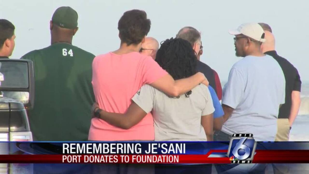 Je'Sani Smith Foundation receives donation from Port of CC