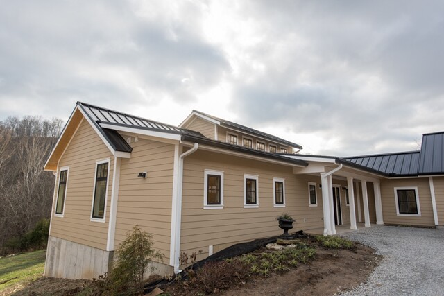 Home Tour: Architect builds farmhouse like no other in Brown County