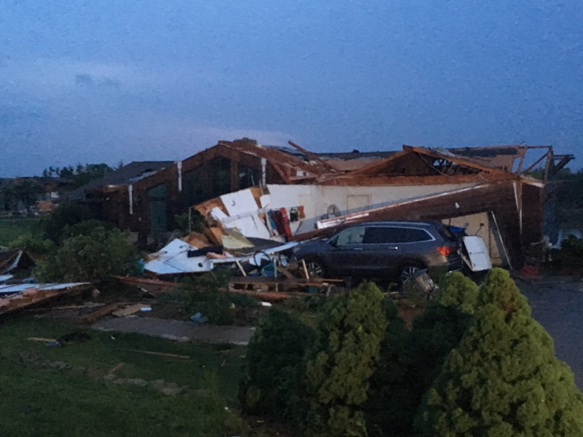 Bonner Springs damage.jpg