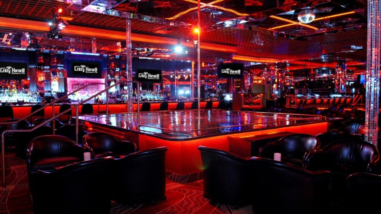 Vegas strip club has deals for stadium workers