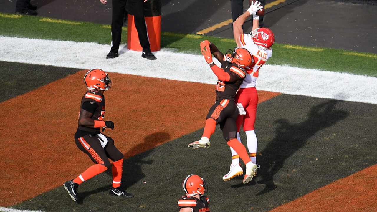 Mahomes, Chiefs dominate in Cleveland, reach 8-1