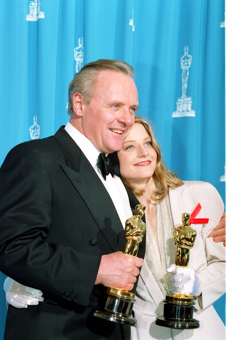 Anthony Hopkins and Jodie Foster hold Oscars after winning for 'The Silence of the Lambs'
