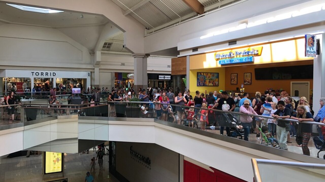 Thousands gather at Boise Towne Square MalL