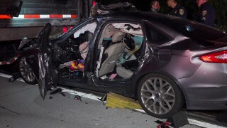 escondido_15_semi_car_crash2_042221.jpg