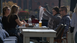 Restaurant owners taking advantage of warm November patio weather