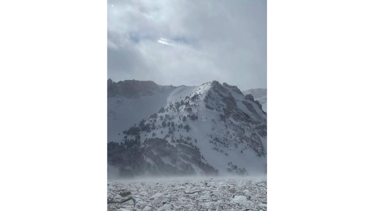 avalanche2.JPG