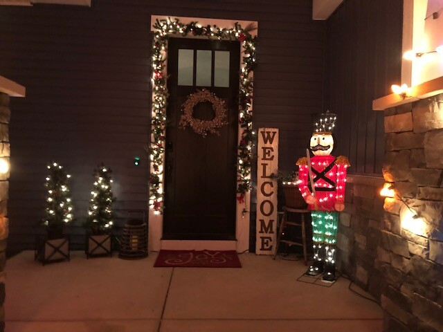 Front door decorations sent by Veronica Lozon.jpeg