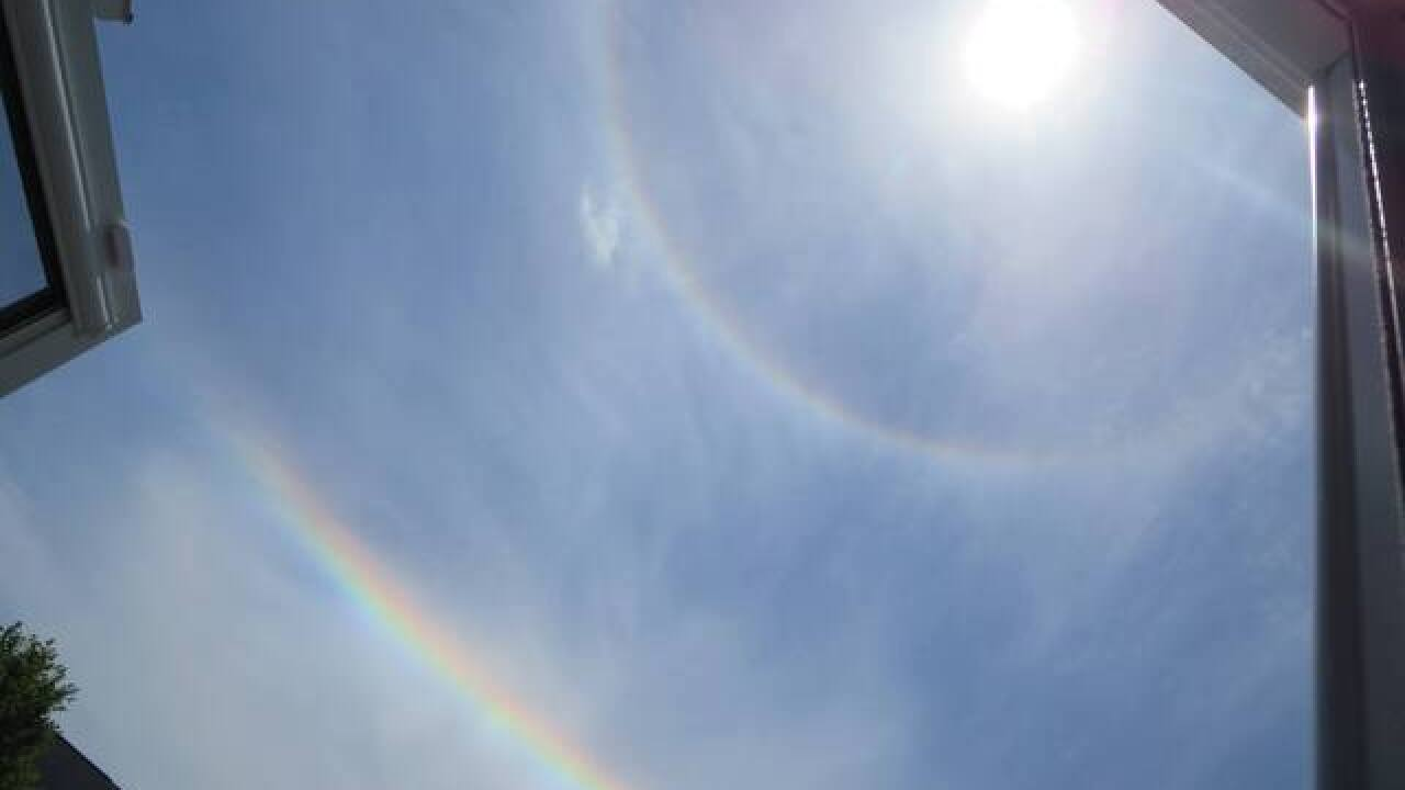 Upside-down rainbows around the sun?