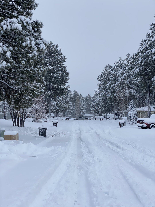 Christina_car_stuck_in_snow_Flagstaff1.jpeg