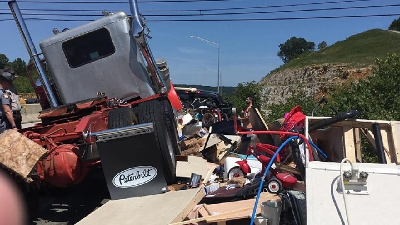 Wreck on I-75 near Mount Vernon causes major delays