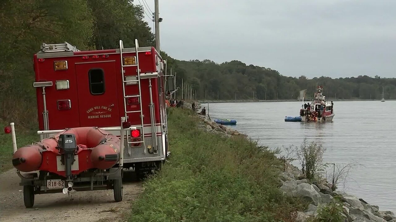 Teen dies trying to save his family from car that plunged into Delaware canal