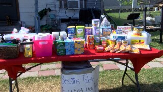 """Taft woman sets up """"Blessing Table"""" for those in need"""