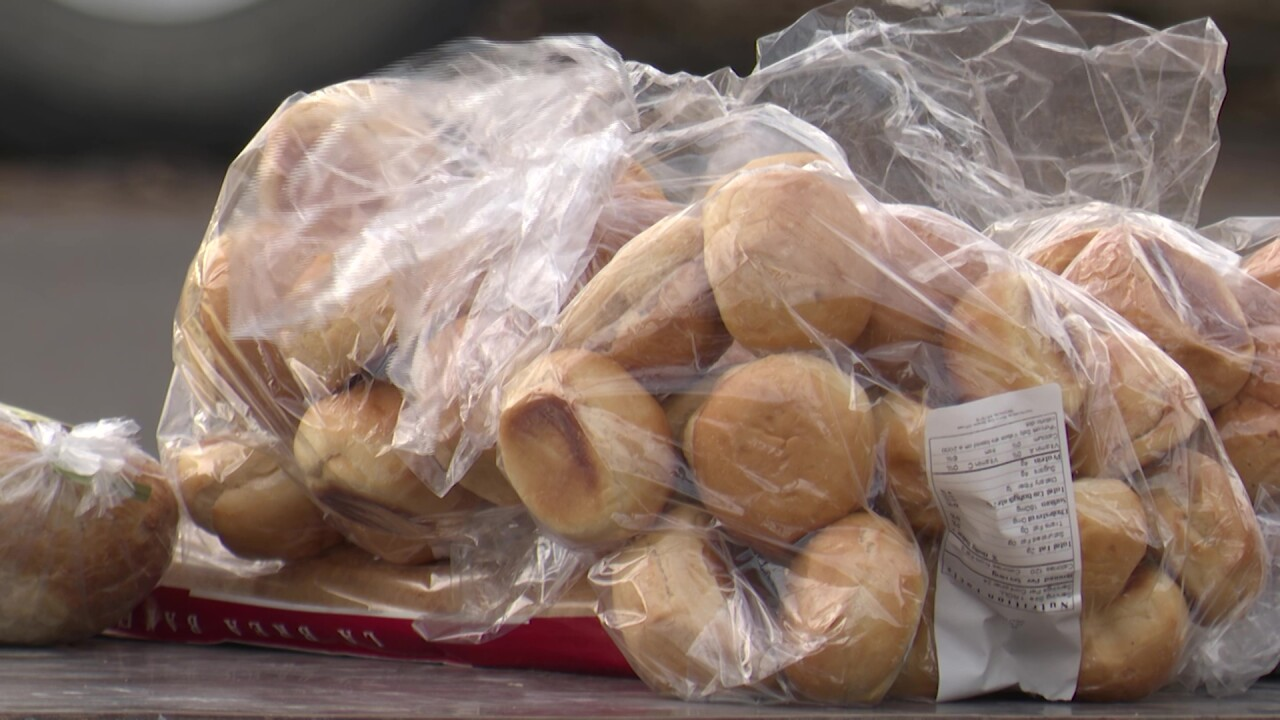 A Great Falls man is giving away bread