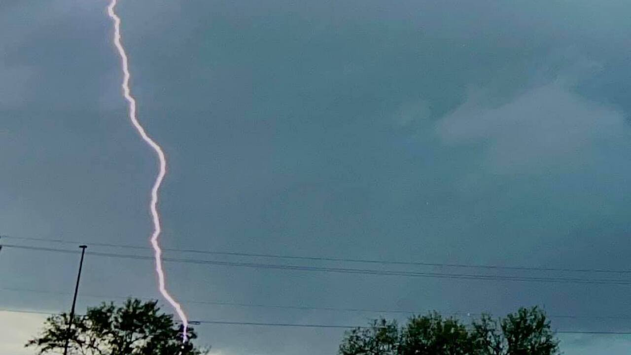 Greenwood Dr. Lightning in Corpus Christi - Photo By: FB Coastal Bend Weather Watcher Gabriel Garcia