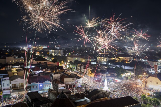 PHOTOS: A look at New Year's Eve celebrations from around the World