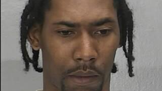 Newport News police looking for suspect accused of robbing, assaulting elderlyman
