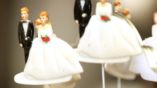 Brides and grooms left in limbo by Arizona wedding venue