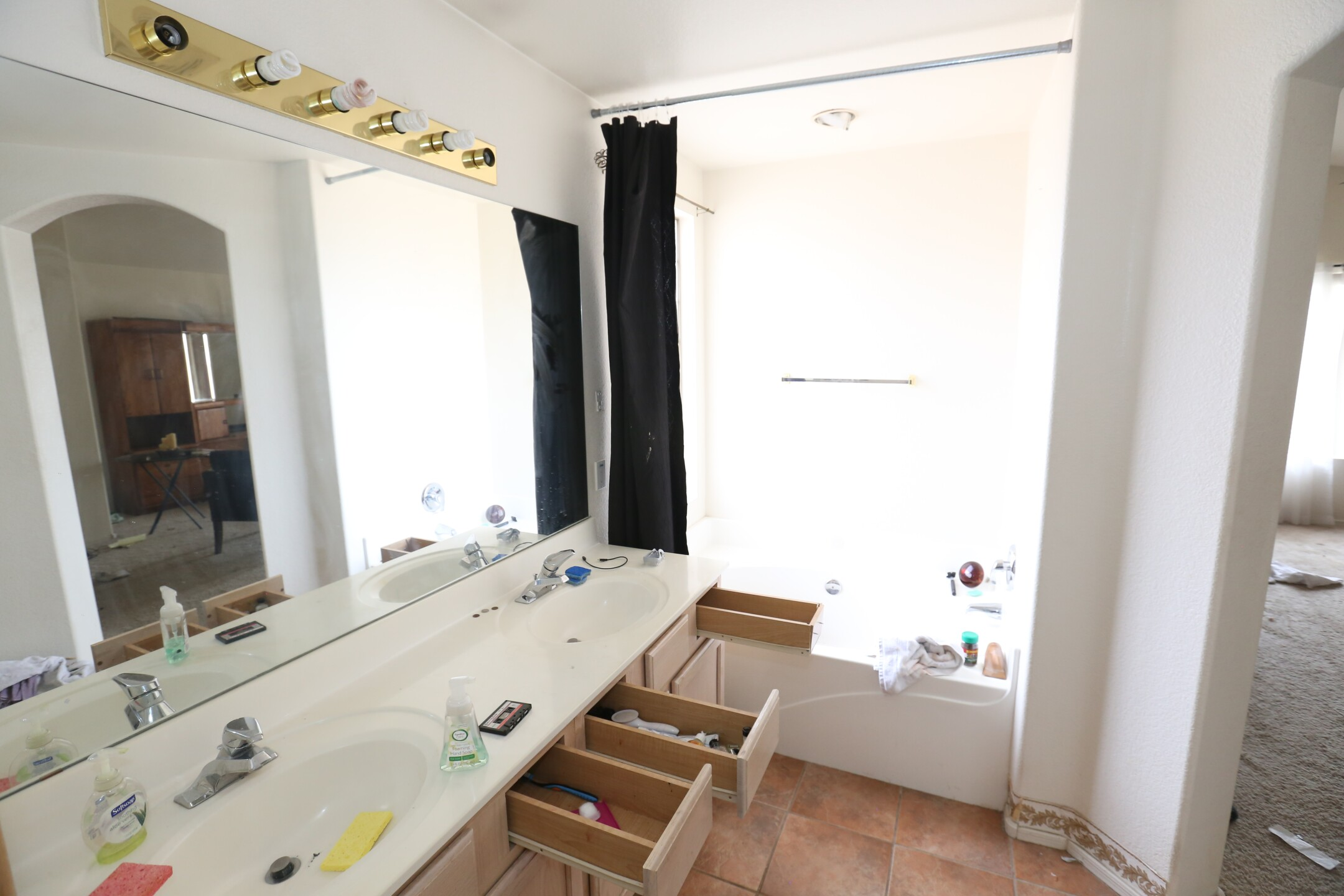 Master Bath 2 Before.JPG