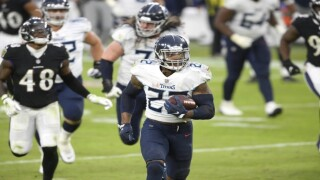 Henry's TD run in OT lifts Titans over skidding Ravens 30-24.jpg