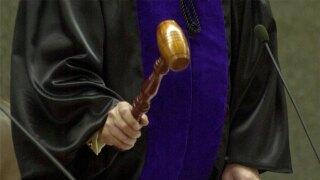 WPTV gavel judge in court
