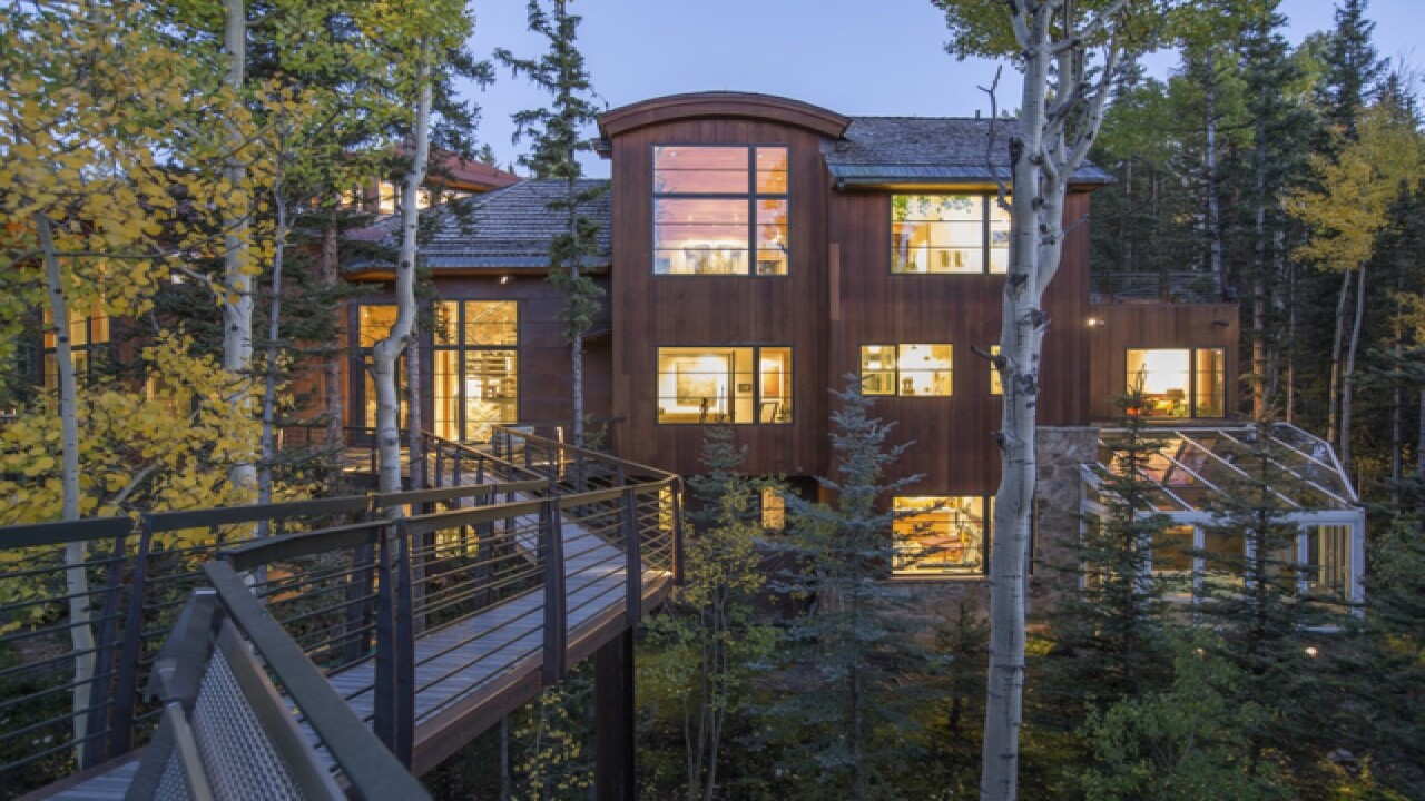 PHOTOS: Inside Oprah's $14 million Colorado home