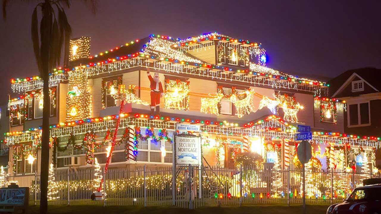 MAP: San Diego's best holiday light displays to see this year