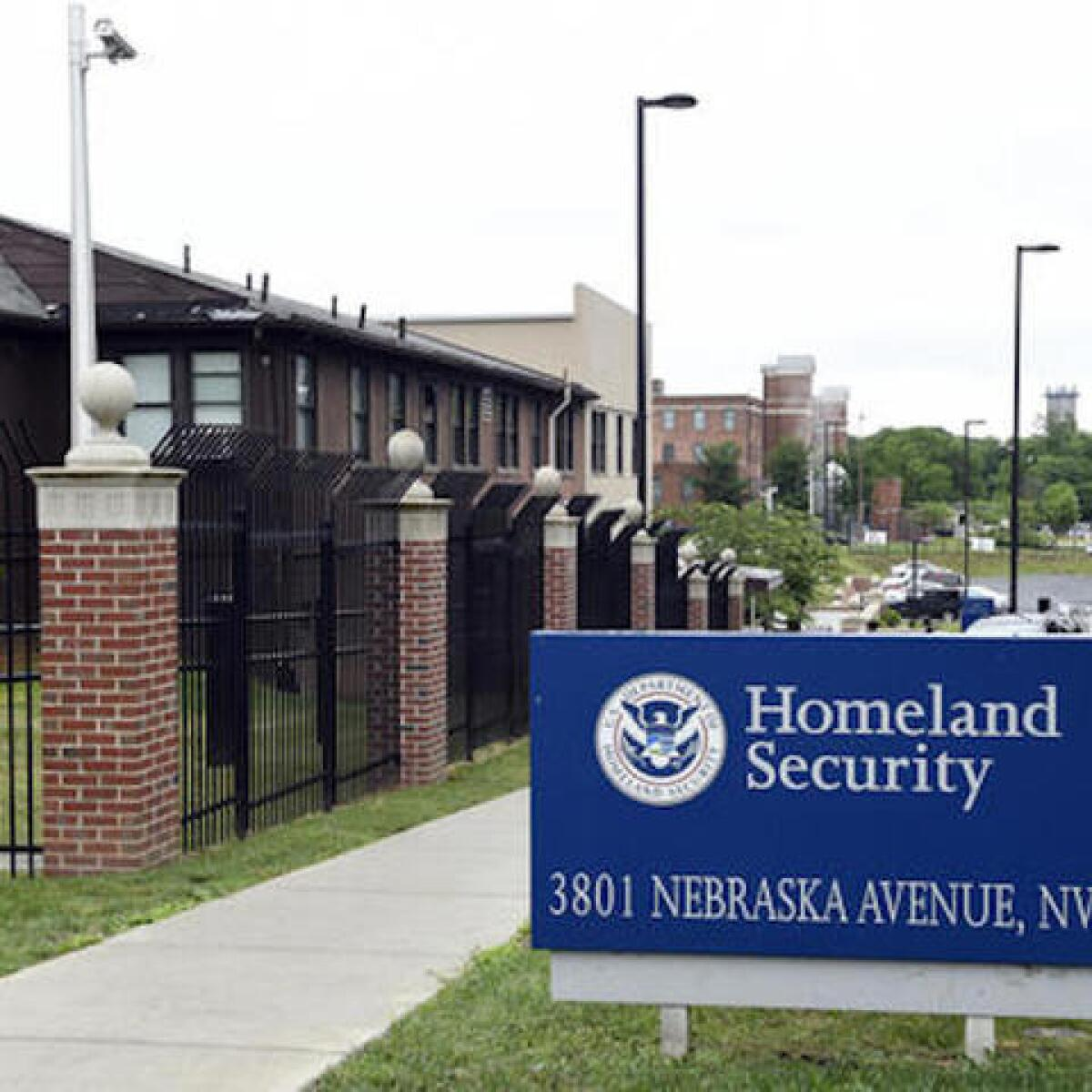 More than 800 mistakenly granted citizenship