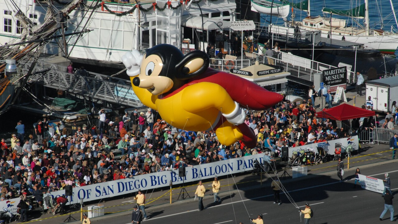 holiday bowl parade big bay balloon parade port of san diego_1.jpg