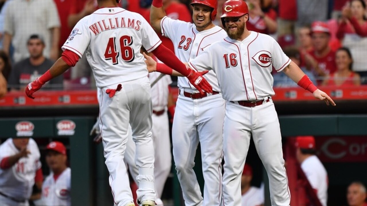 Williams homers, bullpen shines in Reds' win over Phillies