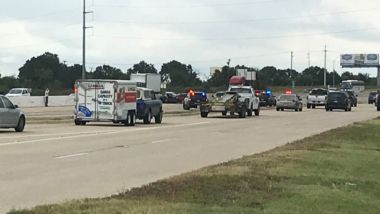 Two troopers taken to hospital after wreck on I-35