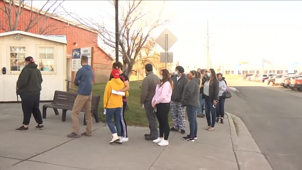 metra voters lined up.jpg