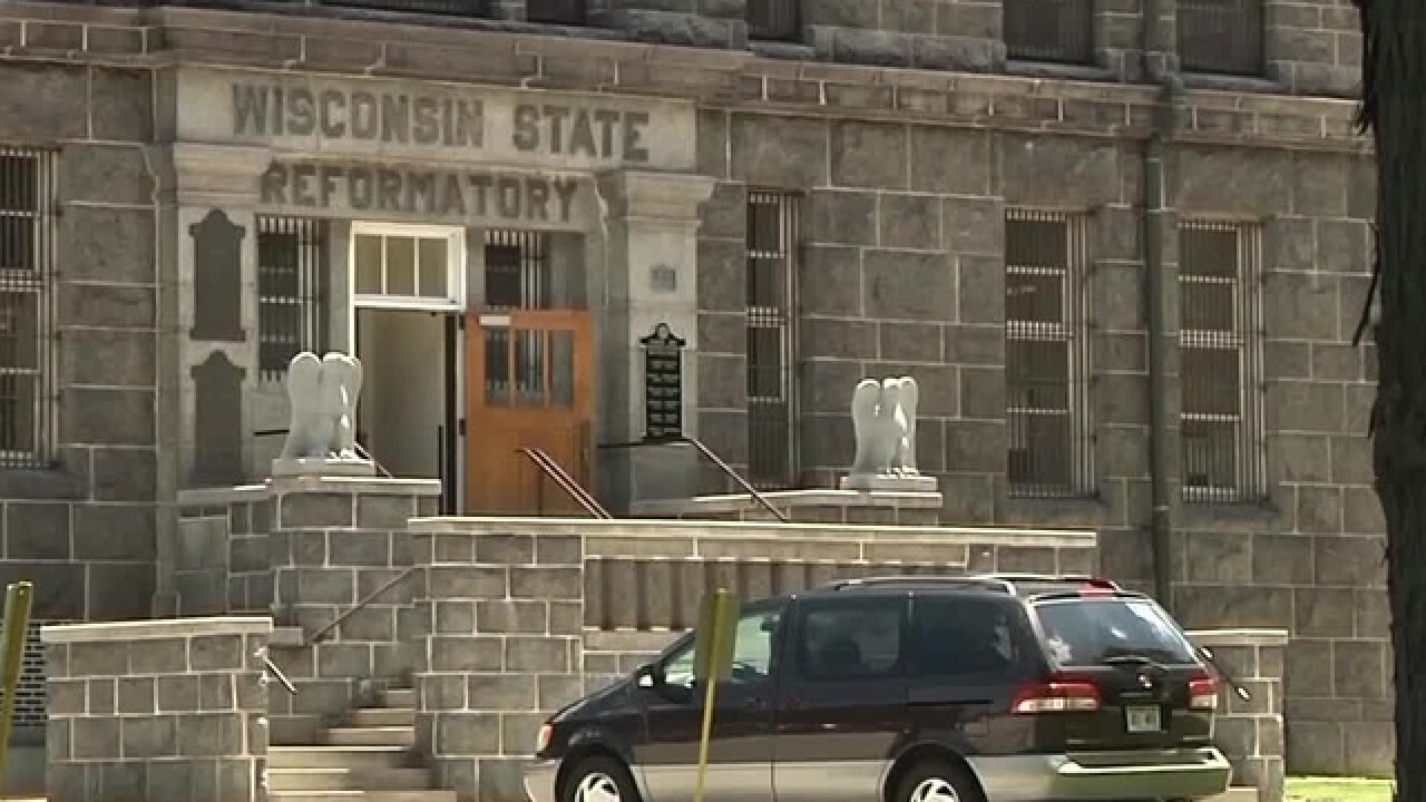 Proposed bill would close Green Bay prison