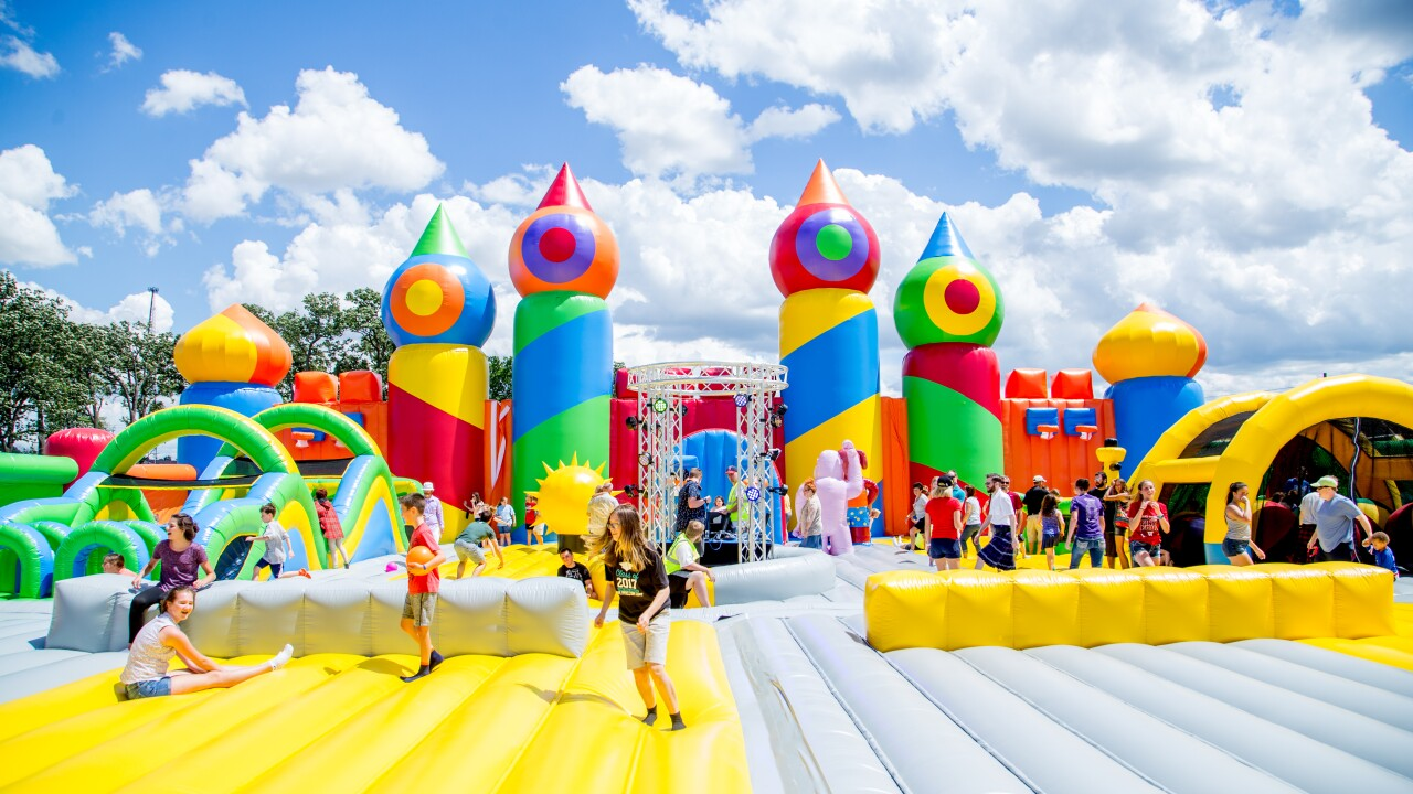 The World S Biggest Bounce House Theme Park Is Coming To