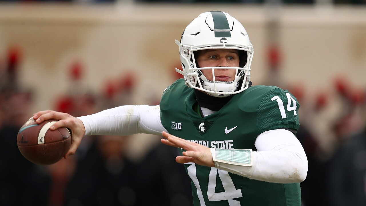 Brian_Lewerke_Ohio State v Michigan State