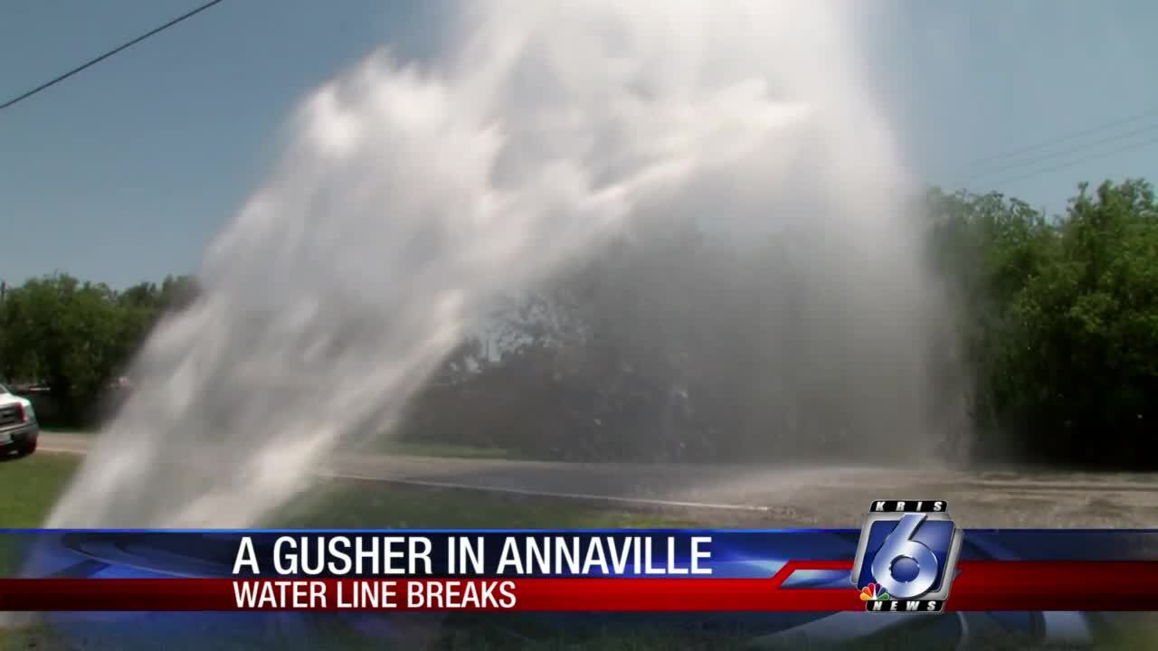 Broken-water-main-Annaville