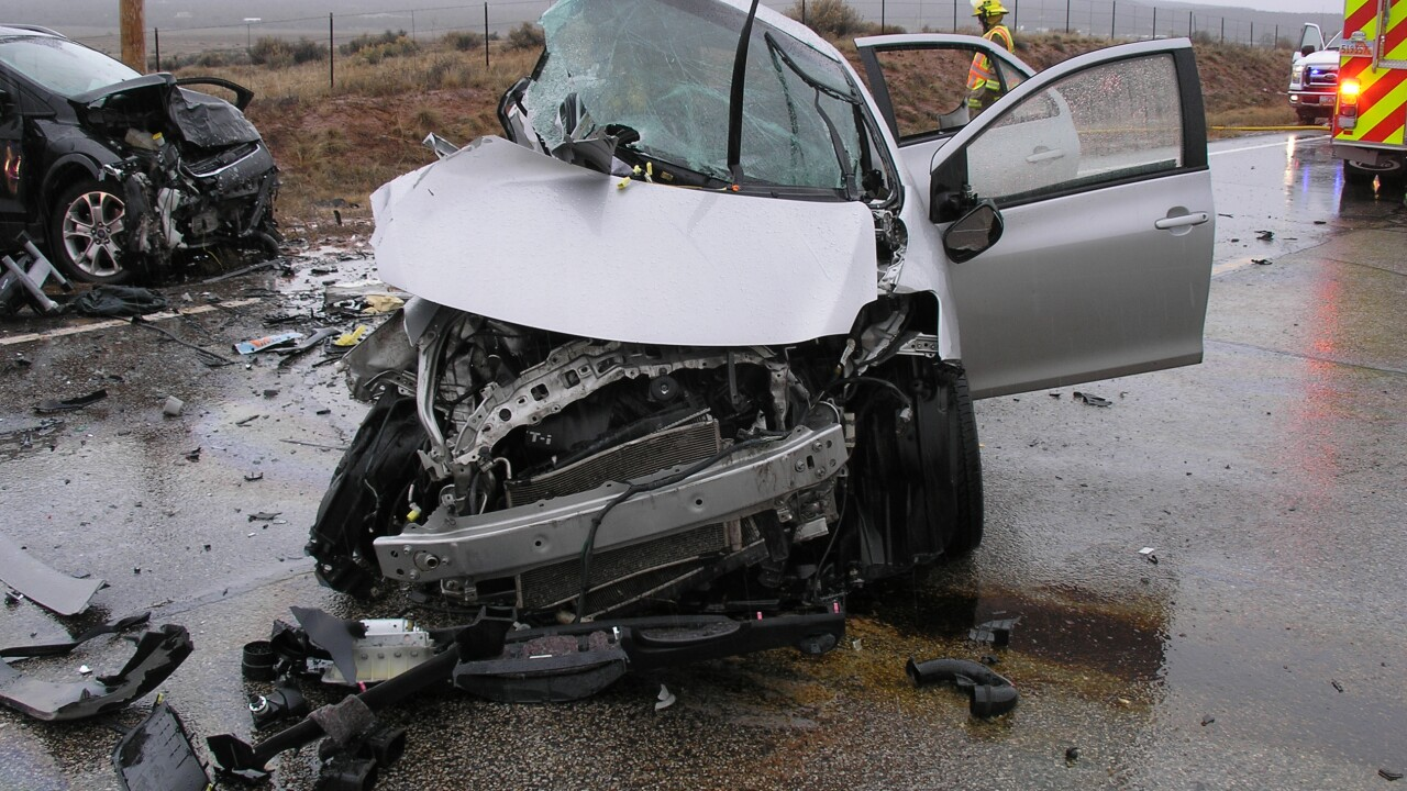 Man dead after car veers into oncoming traffic in southern Utah