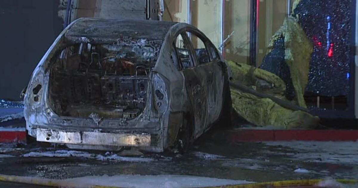 Car crashes into defense contractor building in Kearny Mesa