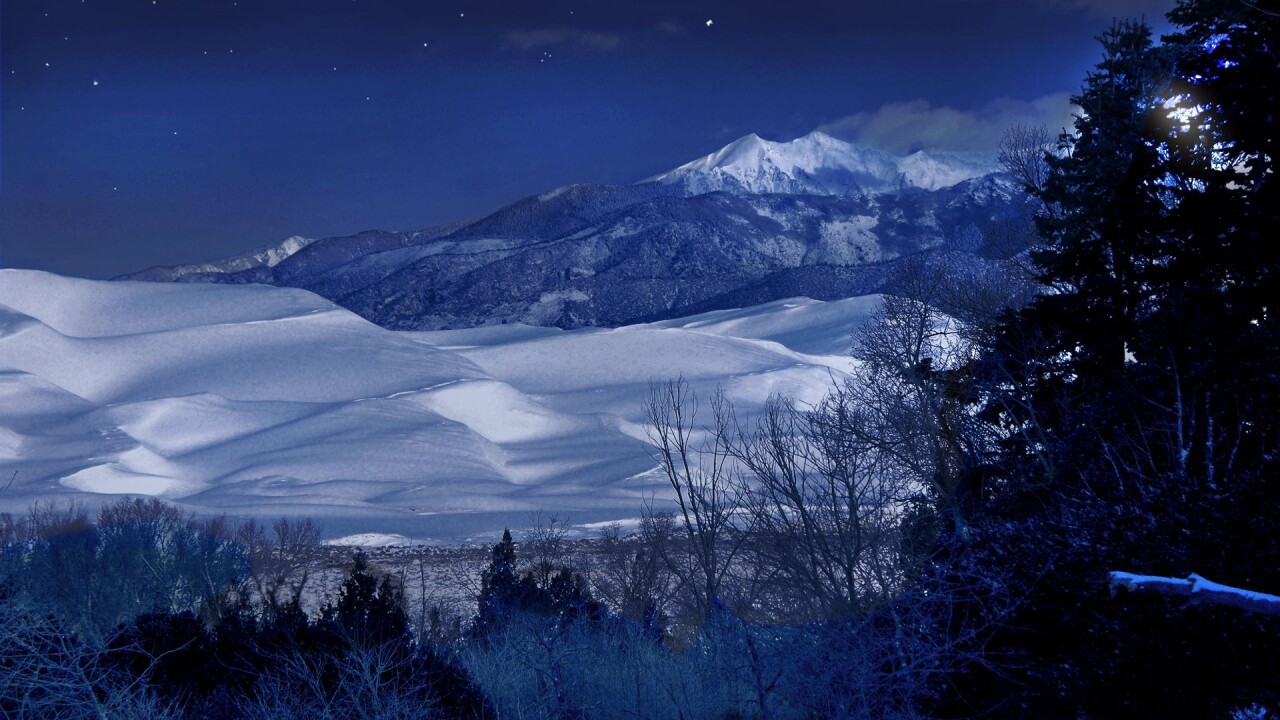 Great Sand Dunes National Park and Preserve at night (8).jpg